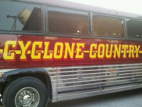 Cyclone bus 466x350