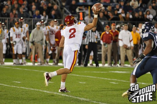 Steele Jantz throws vs UConn 527x350